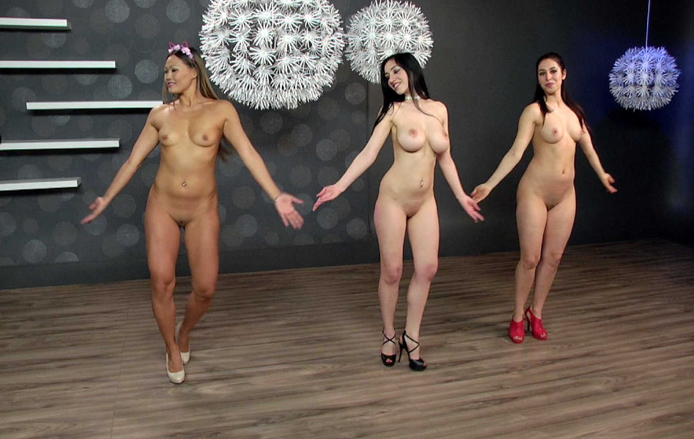 Dancing naked mobile sex hq pics